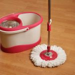 How to Choose the Best Mop and Bucket
