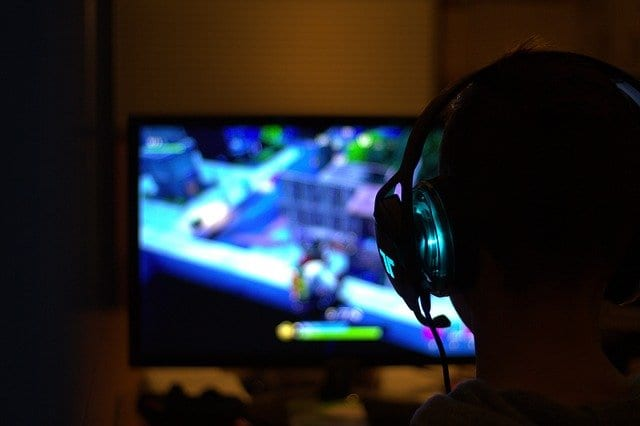Why is it Better to Buy Video Games Online Rather than Physically?