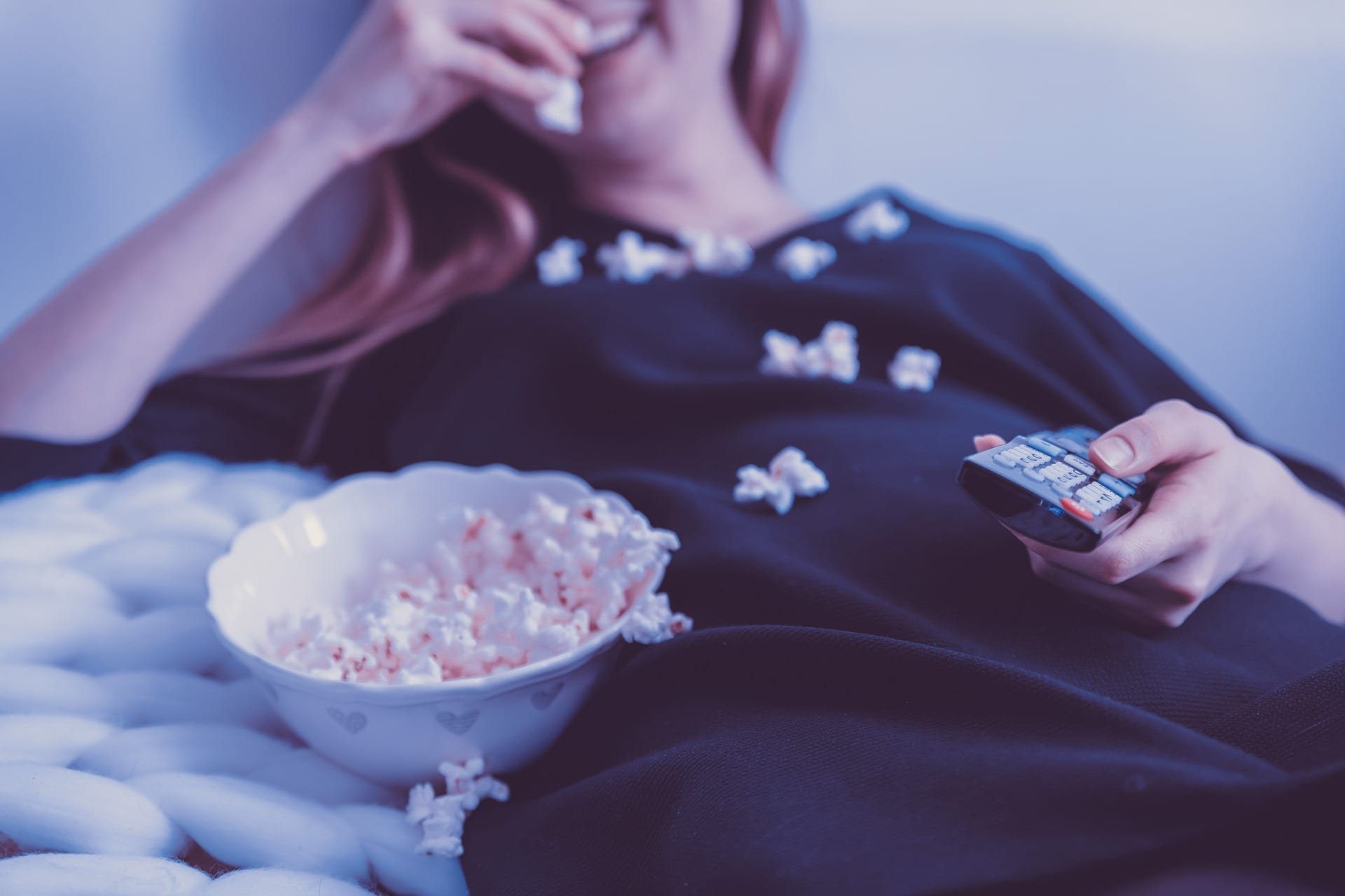 Why Are Watching Online Movies Much Better Than Watching Movies In Theatres?