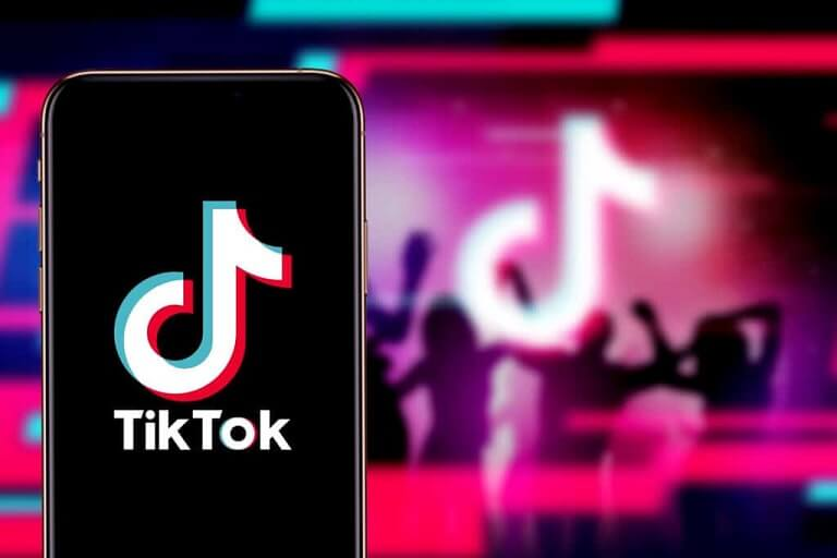 How to Become a famous TikTok star very quickly in no time using InstBlast?
