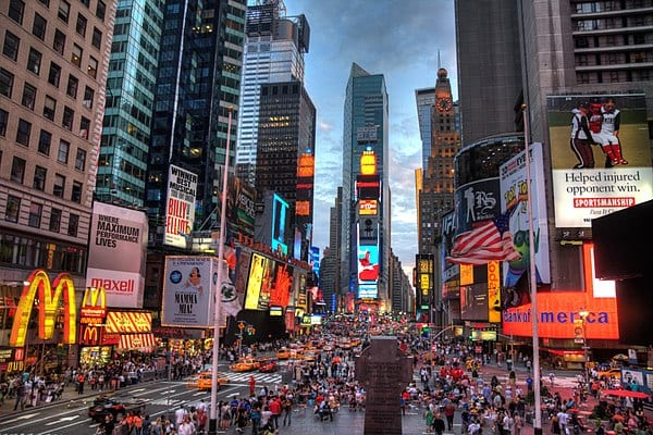 600px-New_york_times_square-terabass