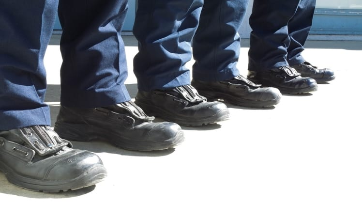 Top 5 reasons why you should wear safety boots at the workplace