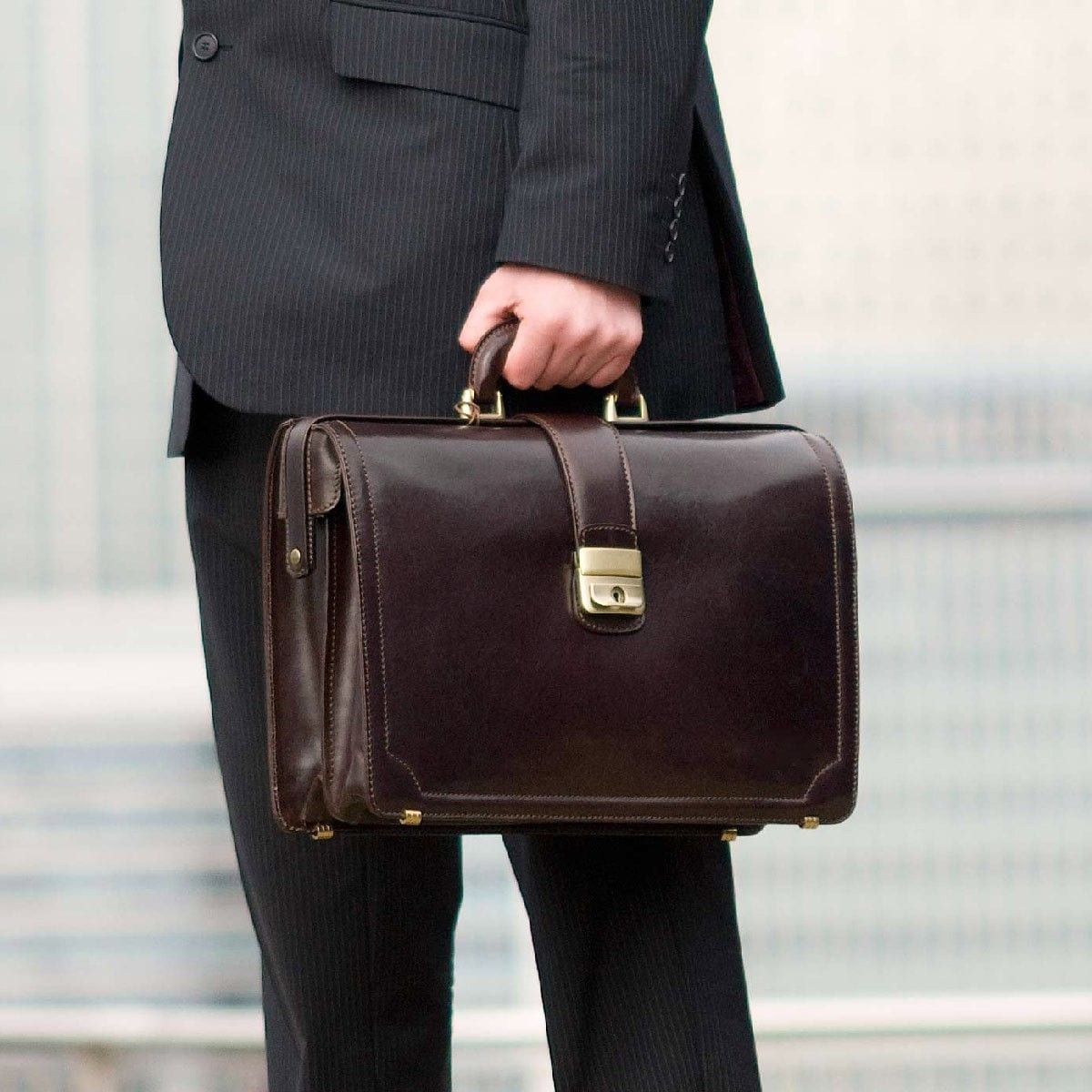 Best Rolling Briefcase For Lawyers - Three Considerations When Shopping For Lawyers'
