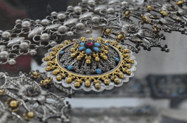 Special Holiday Gift Ideas Using Jewellery