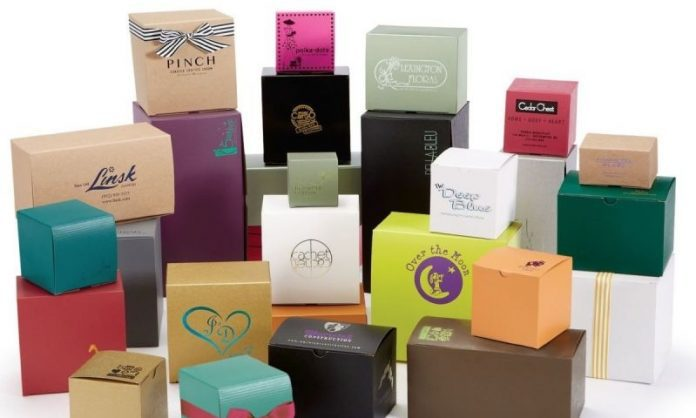 Using Free Delivery and Digital Printing Services for Packaging and Shipping