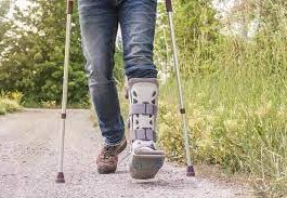 Benefits of Orthotic Walking Boots for Patients with Fractures