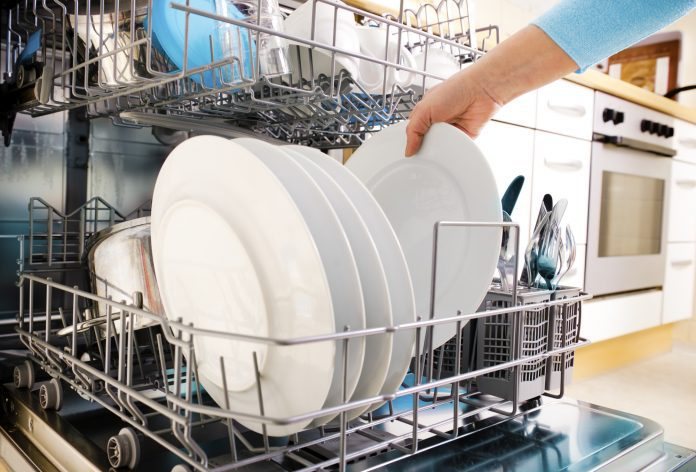 What to Do When Your Dishwasher Breaks