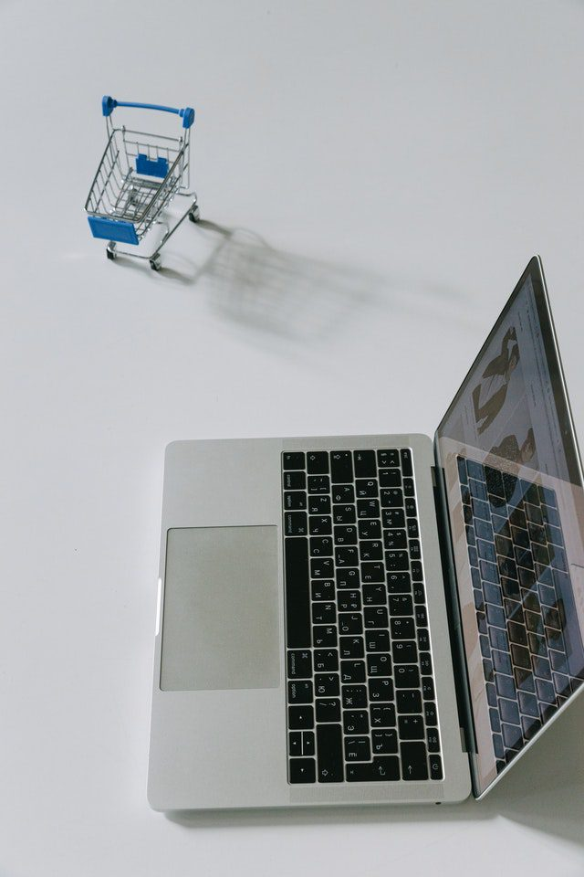 How to buy a trolley online through material handling equipment store?