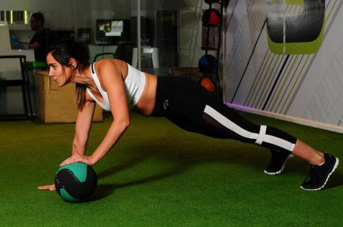 exercise_exercise_ball_fitness_gym_person_strength_strong_training-1547295