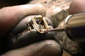HOW IS JEWELLERY MANUFACTURING DONE?